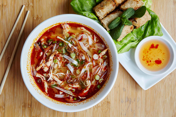 pho-cafe-spicy-chicken-spring-rolls