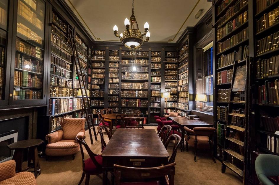 portico-library0-33