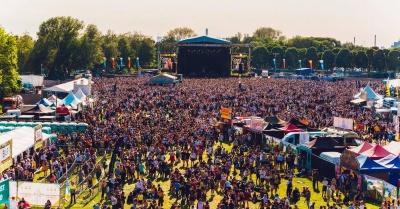 The Neighbourhood Weekender Festival is BIGGER than ever before!